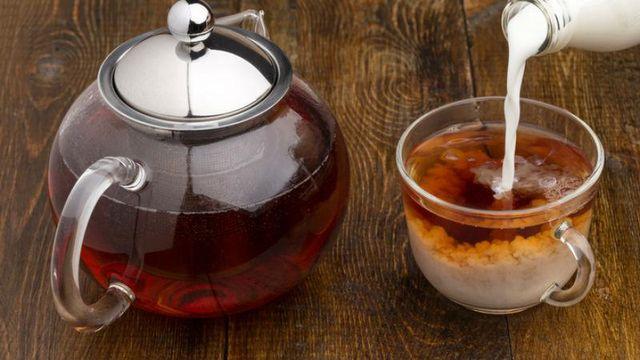 Чай на молоке - это прекрасный и полезный напиток