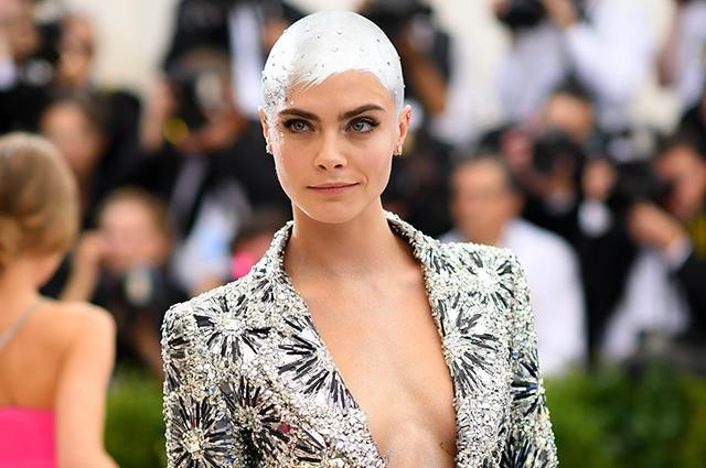 Відома модель та акторка Кара Делевінь потішила своїх фанів новою 70c2e72206e87